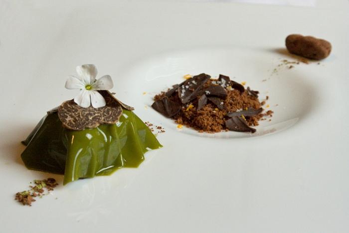 Toffe de chocolate negro con té verde y trufa bianchatto