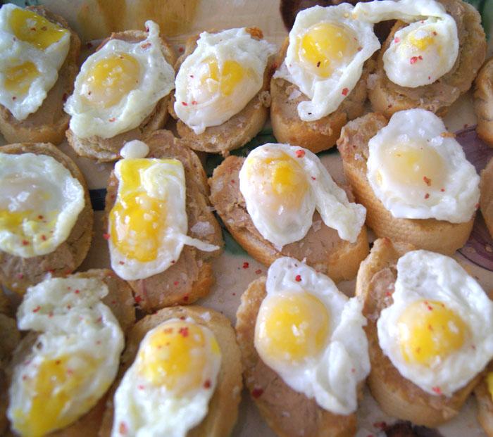 foie con huevo
