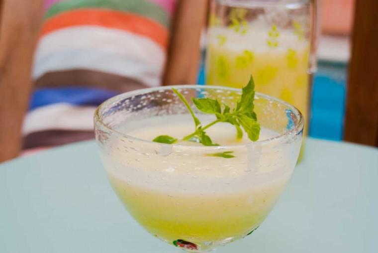 zumo-de-melon-con-hierbabuena